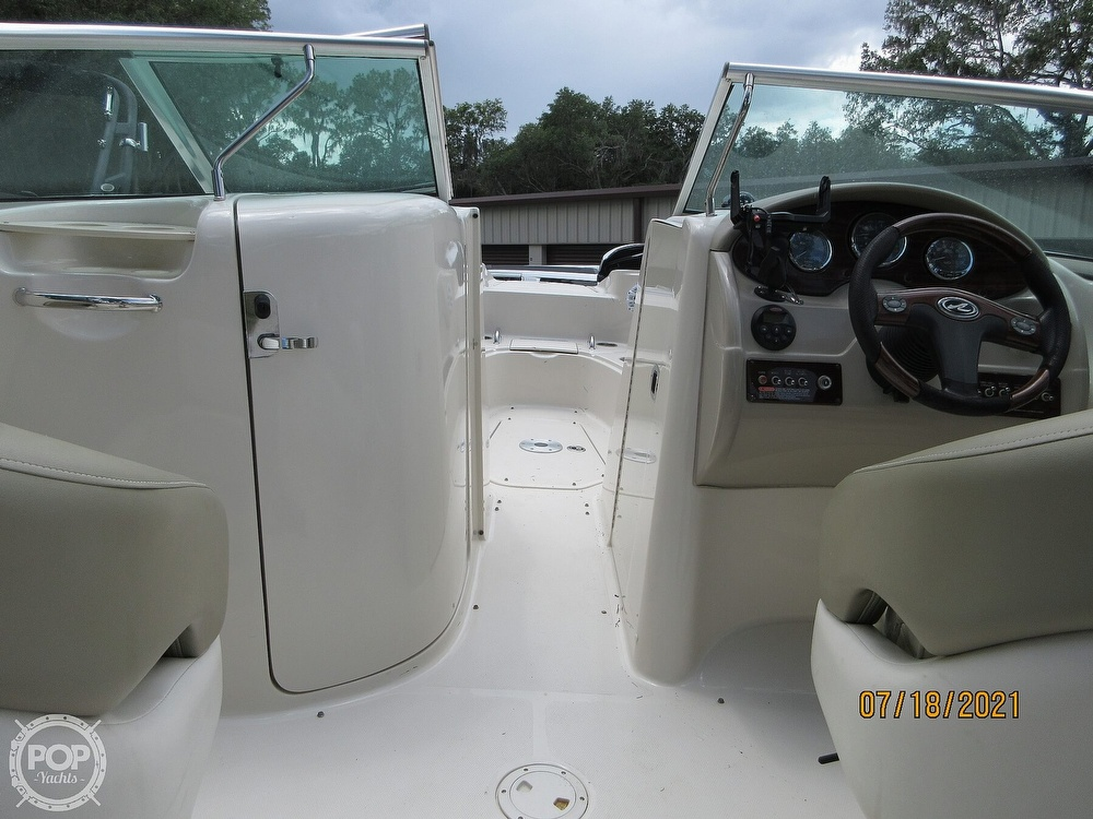 2006 Sea Ray boat for sale, model of the boat is 220 Sundeck & Image # 7 of 40