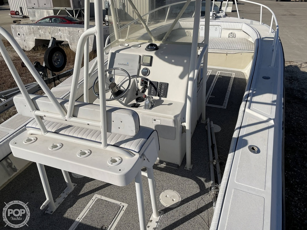 2003 Newton boat for sale, model of the boat is 28 CC & Image # 2 of 40