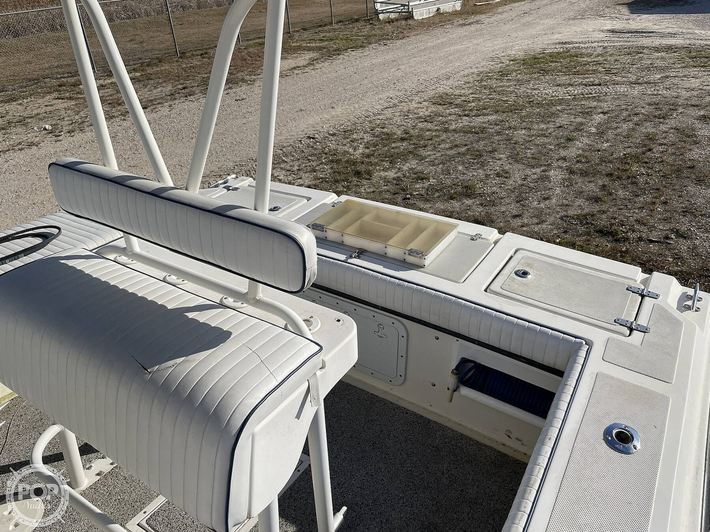2003 Newton boat for sale, model of the boat is 28 CC & Image # 5 of 40