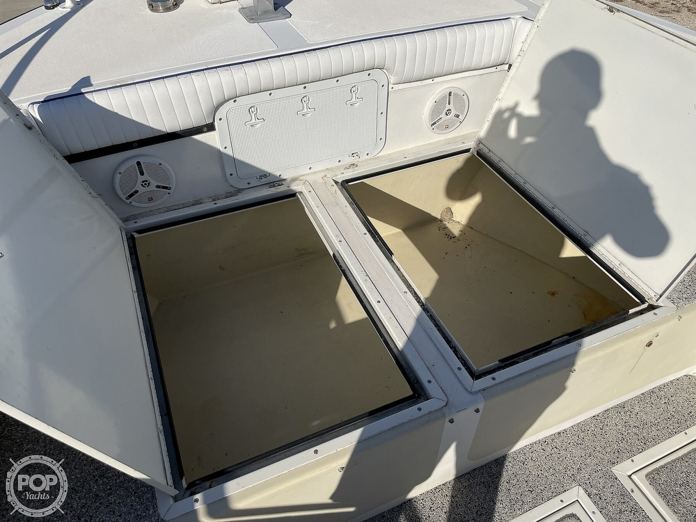 2003 Newton boat for sale, model of the boat is 28 CC & Image # 6 of 40
