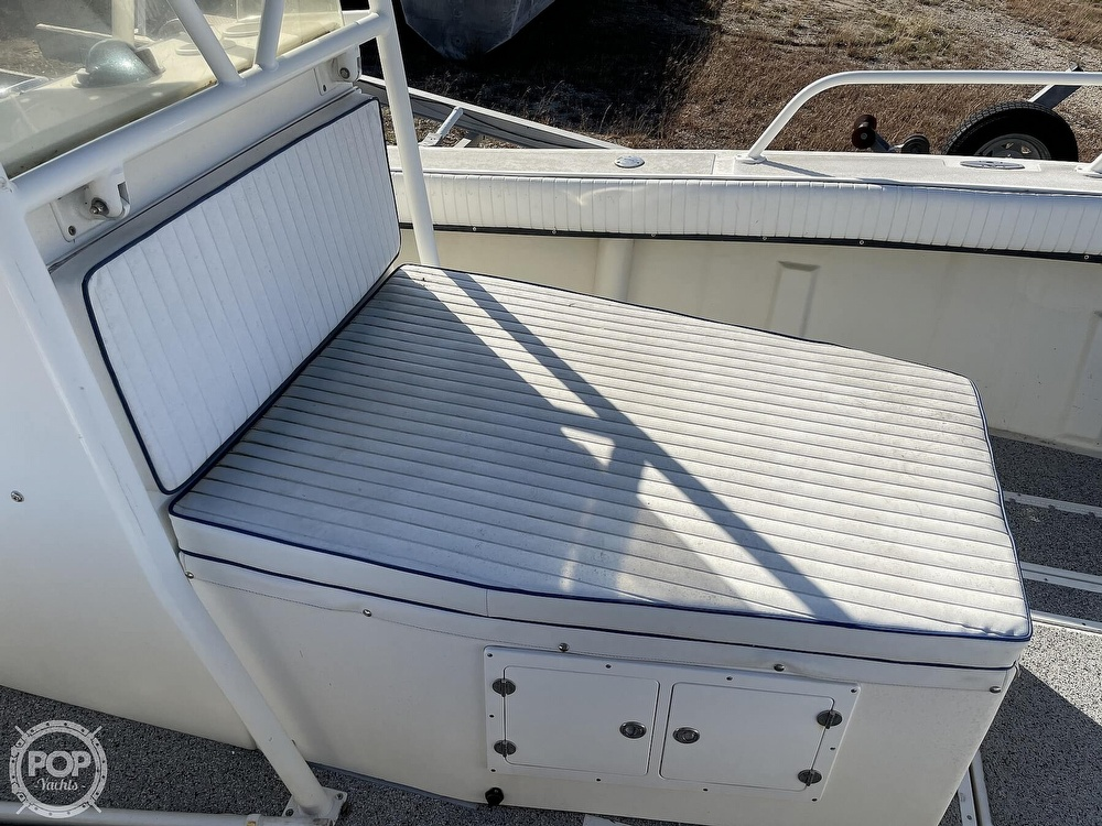 2003 Newton boat for sale, model of the boat is 28 CC & Image # 24 of 40