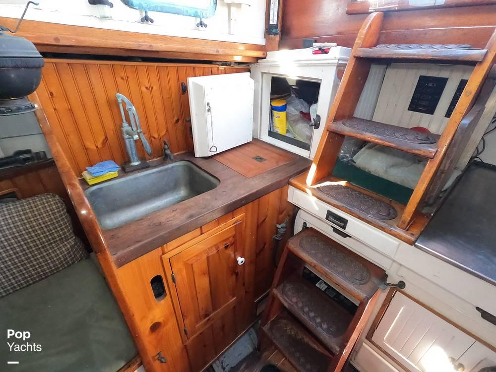 1947 Paul Luke boat for sale, model of the boat is Friendship 32 & Image # 21 of 40