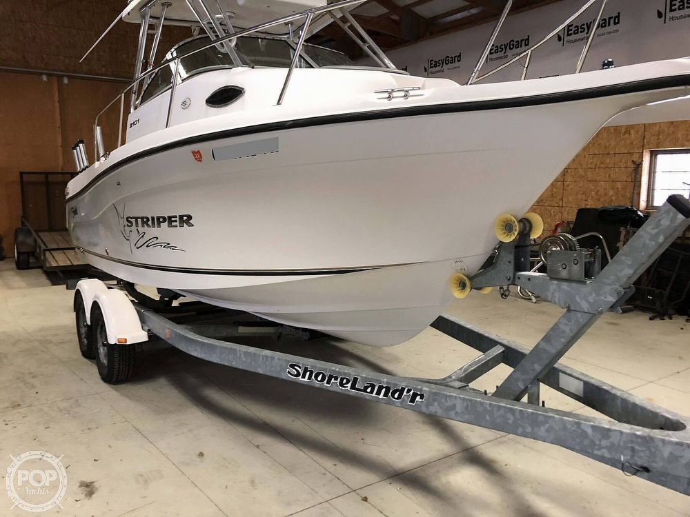 2004 SEASWIRL STRIPER 2101