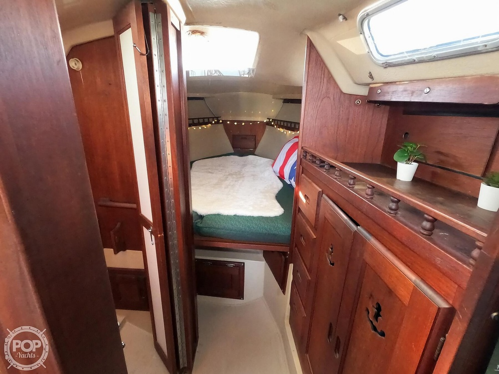 1980 Catalina Yachts boat for sale, model of the boat is 30 & Image # 12 of 40