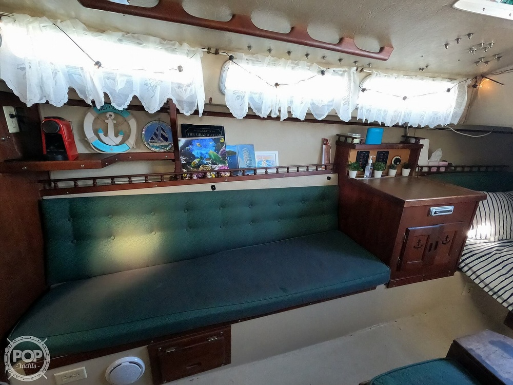 1980 Catalina Yachts boat for sale, model of the boat is 30 & Image # 15 of 40