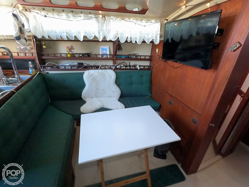 1980 Catalina Yachts boat for sale, model of the boat is 30 & Image # 17 of 40