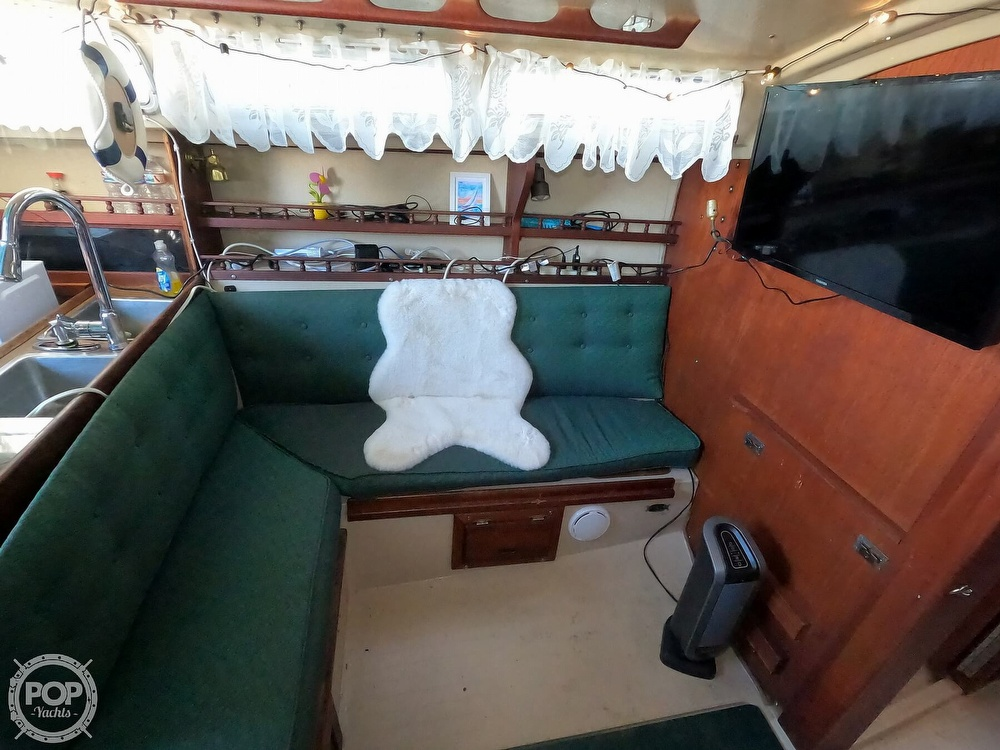 1980 Catalina Yachts boat for sale, model of the boat is 30 & Image # 18 of 40