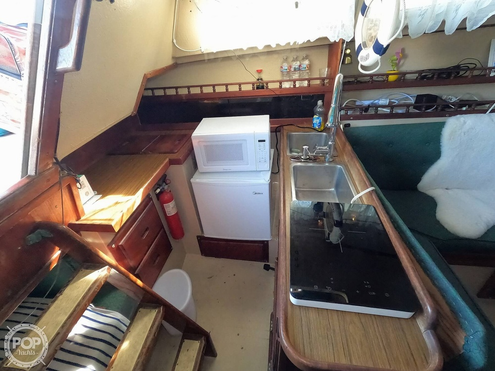 1980 Catalina Yachts boat for sale, model of the boat is 30 & Image # 19 of 40
