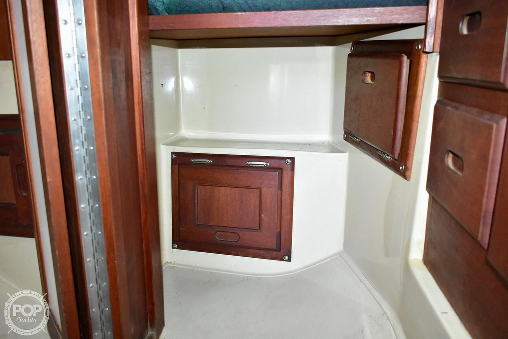 1980 Catalina Yachts boat for sale, model of the boat is 30 & Image # 35 of 40