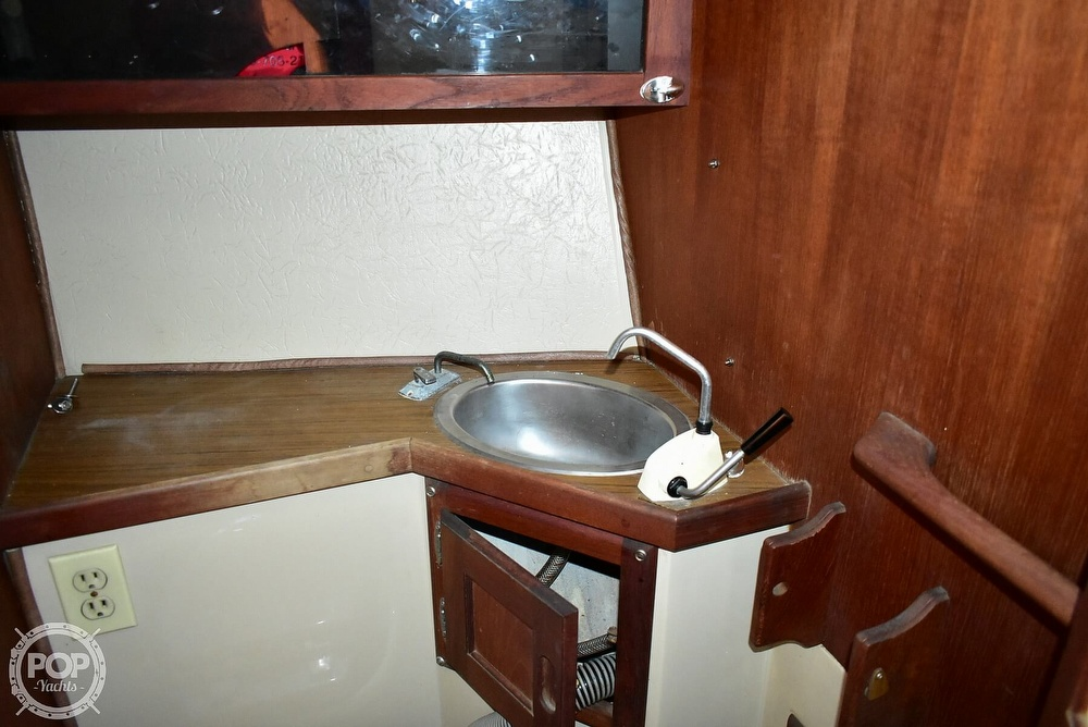 1980 Catalina Yachts boat for sale, model of the boat is 30 & Image # 38 of 40