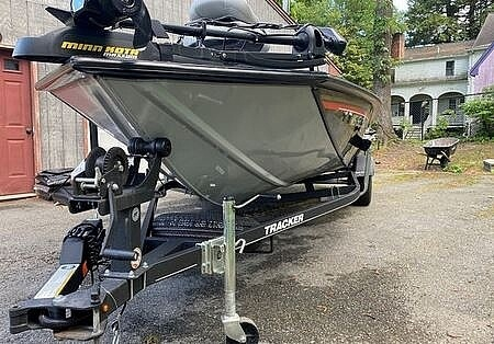 2018 Tracker Boats boat for sale, model of the boat is Bass Tracker PRO TEAM 195 TXW & Image # 6 of 41