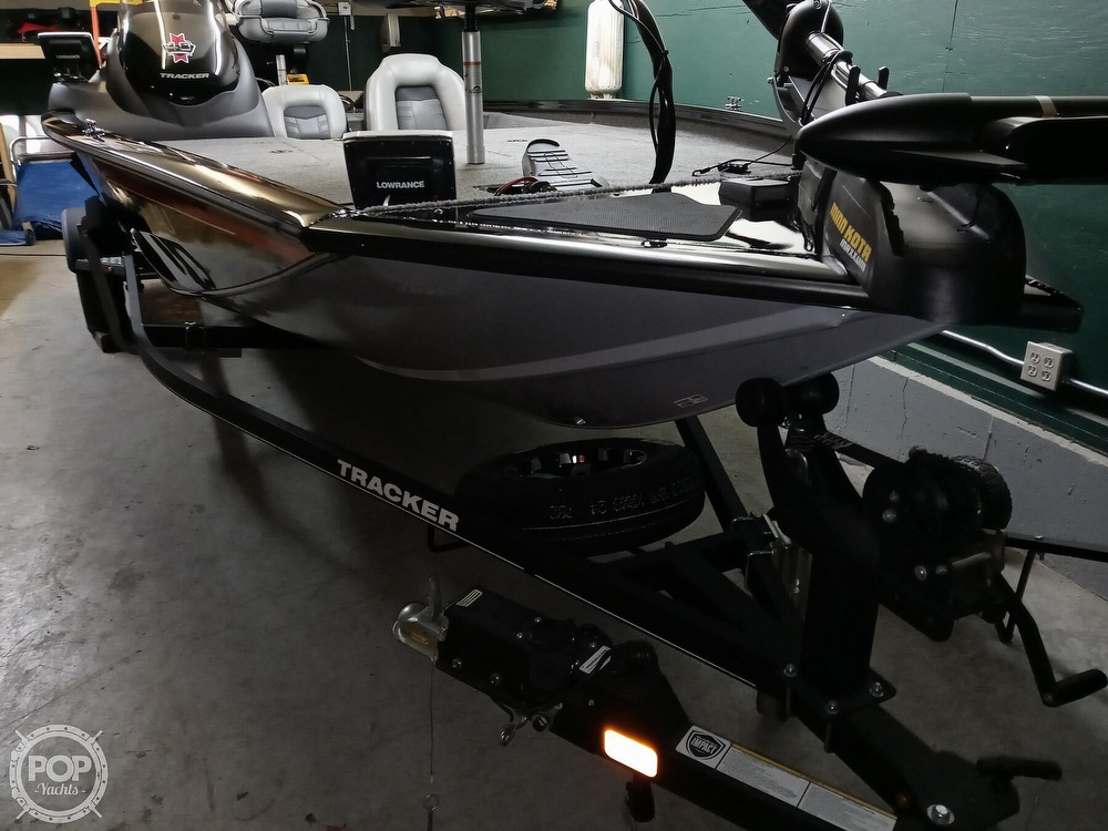 2018 Tracker Boats boat for sale, model of the boat is Bass Tracker PRO TEAM 195 TXW & Image # 2 of 41