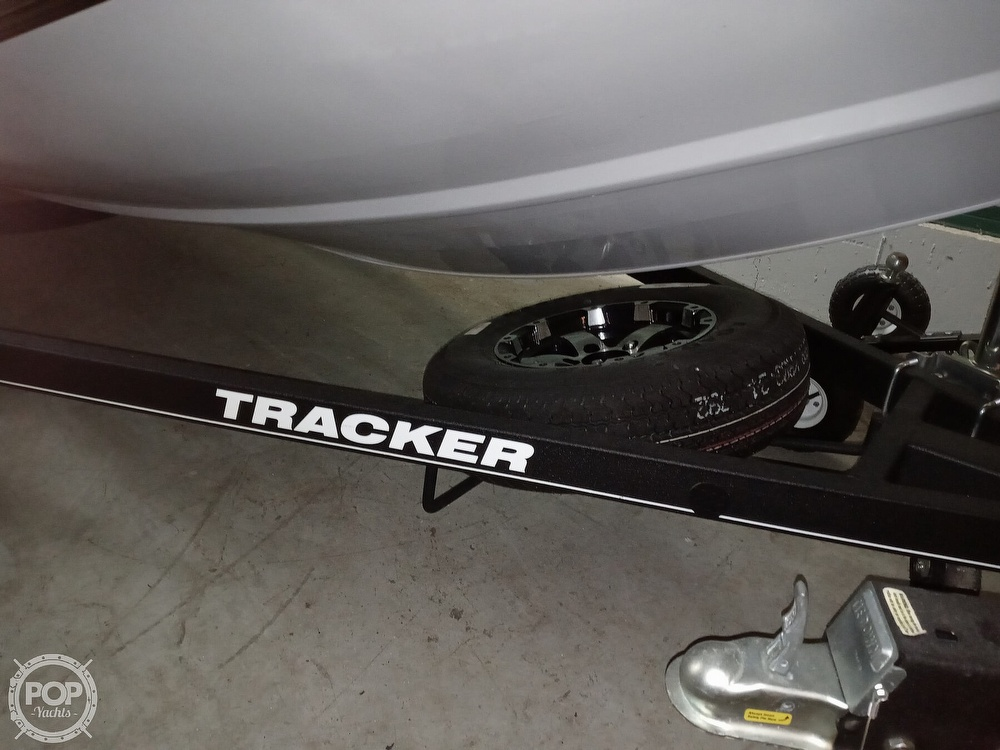 2018 Tracker Boats boat for sale, model of the boat is Bass Tracker PRO TEAM 195 TXW & Image # 11 of 41