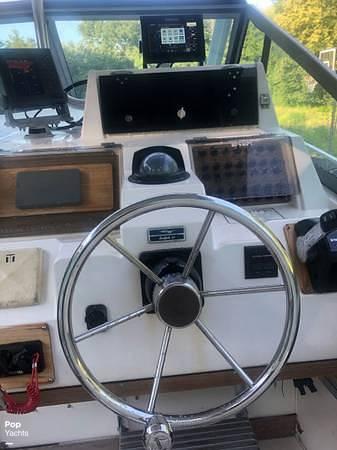 1990 Grady-White boat for sale, model of the boat is Sailfish Sport Bridge 255 & Image # 8 of 40