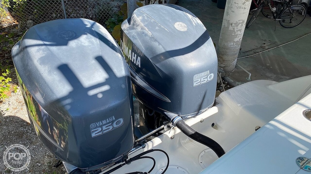 2008 Robalo boat for sale, model of the boat is 300 CC & Image # 27 of 40