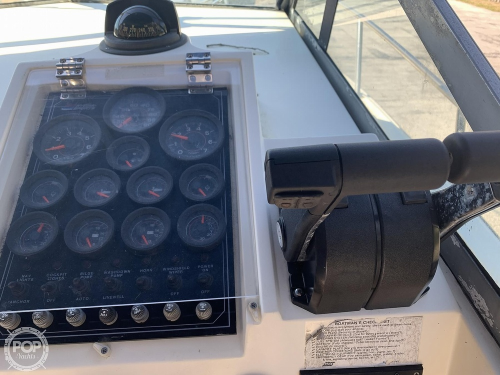 1989 Hydra-Sports boat for sale, model of the boat is Vector 2500WA & Image # 3 of 40