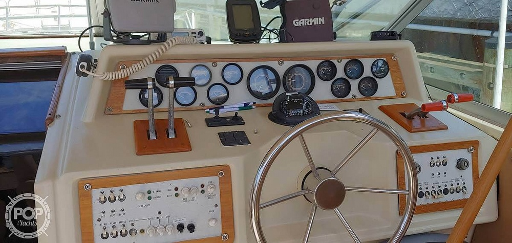 1983 Sea Ray boat for sale, model of the boat is 340 Express Cruiser & Image # 11 of 22