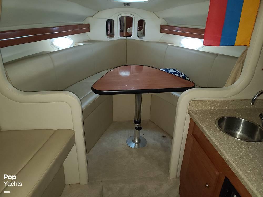 2006 Rinker boat for sale, model of the boat is 300 Fiesta Vee & Image # 7 of 40