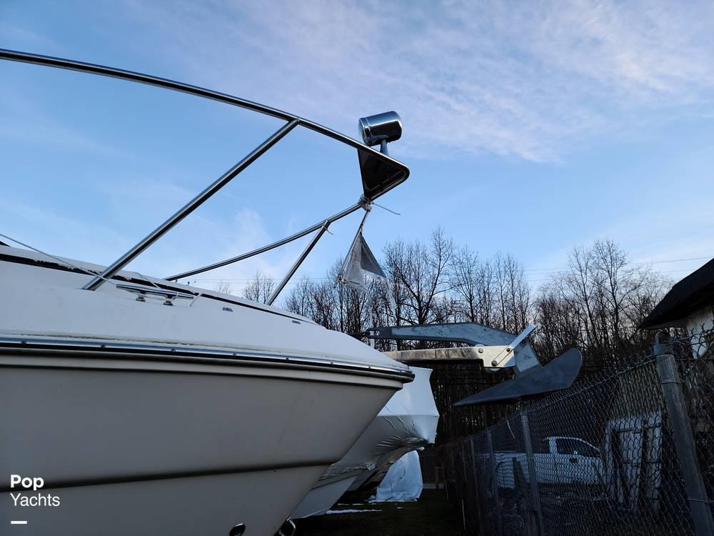 2006 Rinker boat for sale, model of the boat is 300 Fiesta Vee & Image # 15 of 40