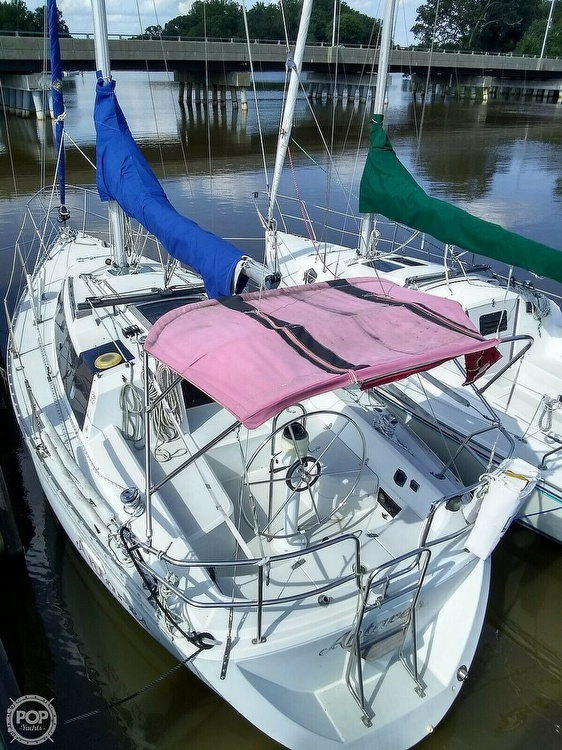 1987 O'day boat for sale, model of the boat is 302 & Image # 3 of 40