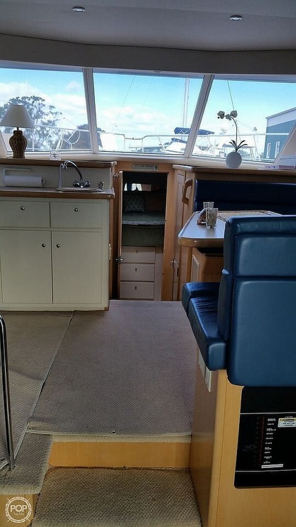 1998 Carver boat for sale, model of the boat is 370 Voyager & Image # 3 of 11
