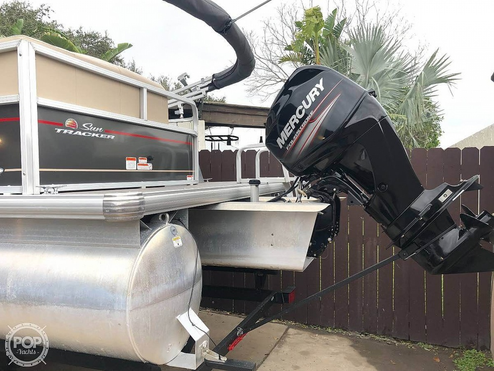 2019 Sun Tracker boat for sale, model of the boat is Party Barge 18 DLX & Image # 2 of 3