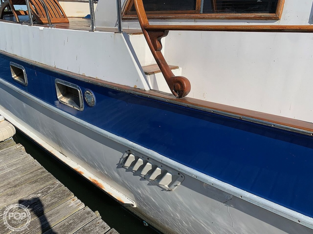 1984 Universal boat for sale, model of the boat is Hampton Bay 39 & Image # 8 of 40