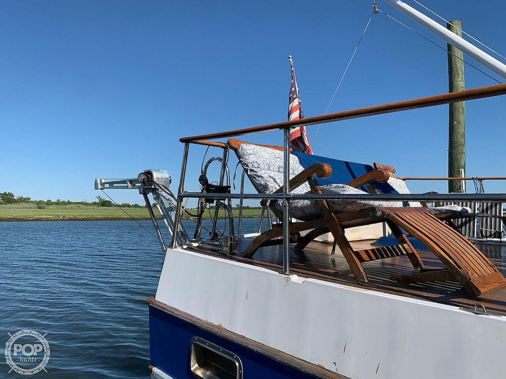 1984 Universal boat for sale, model of the boat is Hampton Bay 39 & Image # 11 of 40
