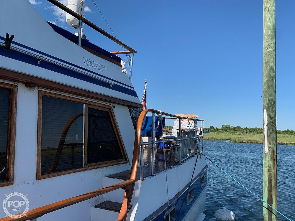 1984 Universal boat for sale, model of the boat is Hampton Bay 39 & Image # 14 of 40