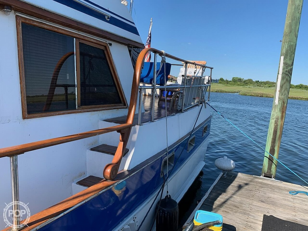 1984 Universal boat for sale, model of the boat is Hampton Bay 39 & Image # 15 of 40