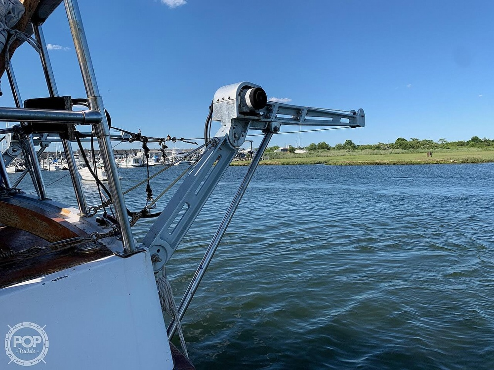 1984 Universal boat for sale, model of the boat is Hampton Bay 39 & Image # 17 of 40