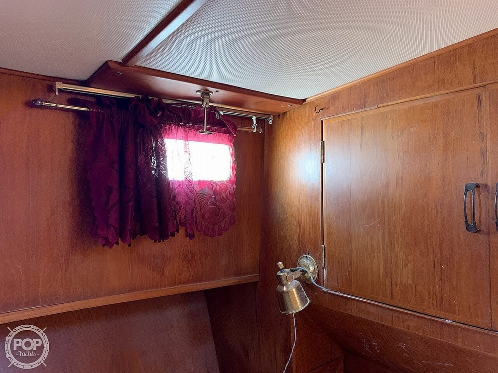1984 Universal boat for sale, model of the boat is Hampton Bay 39 & Image # 31 of 40