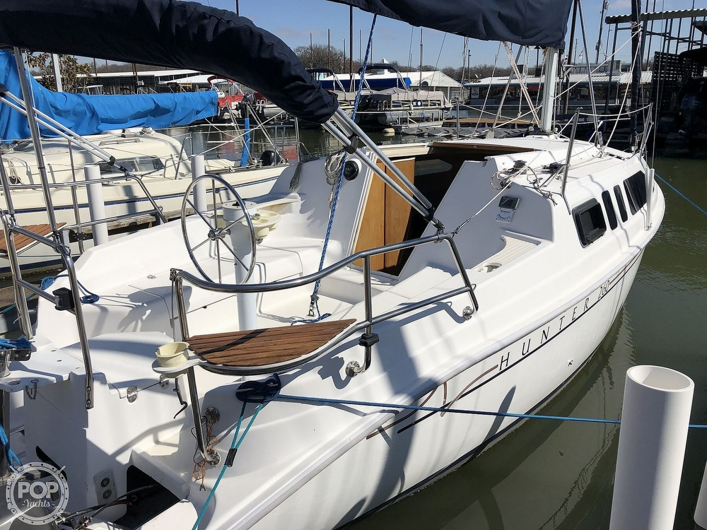 1999 Hunter boat for sale, model of the boat is 260 & Image # 7 of 40