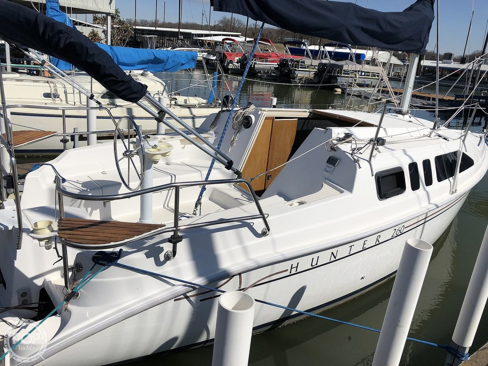 1999 Hunter boat for sale, model of the boat is 260 & Image # 8 of 40