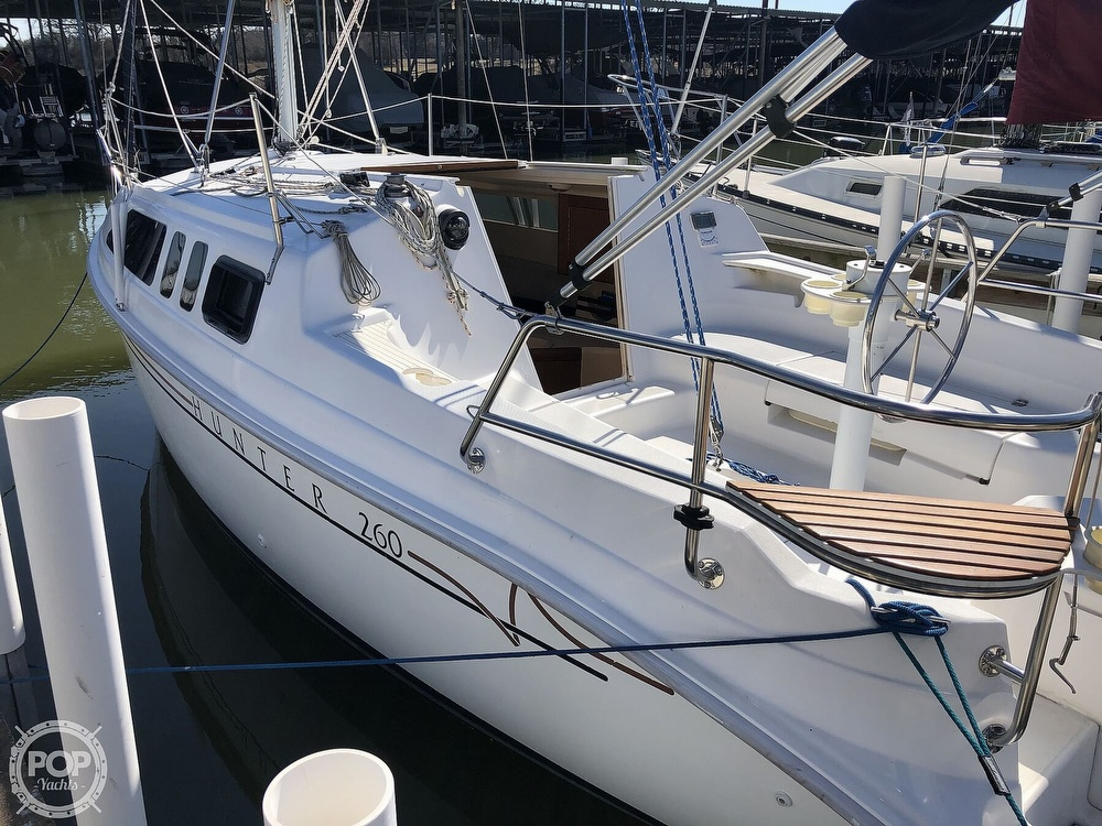 1999 Hunter boat for sale, model of the boat is 260 & Image # 10 of 40