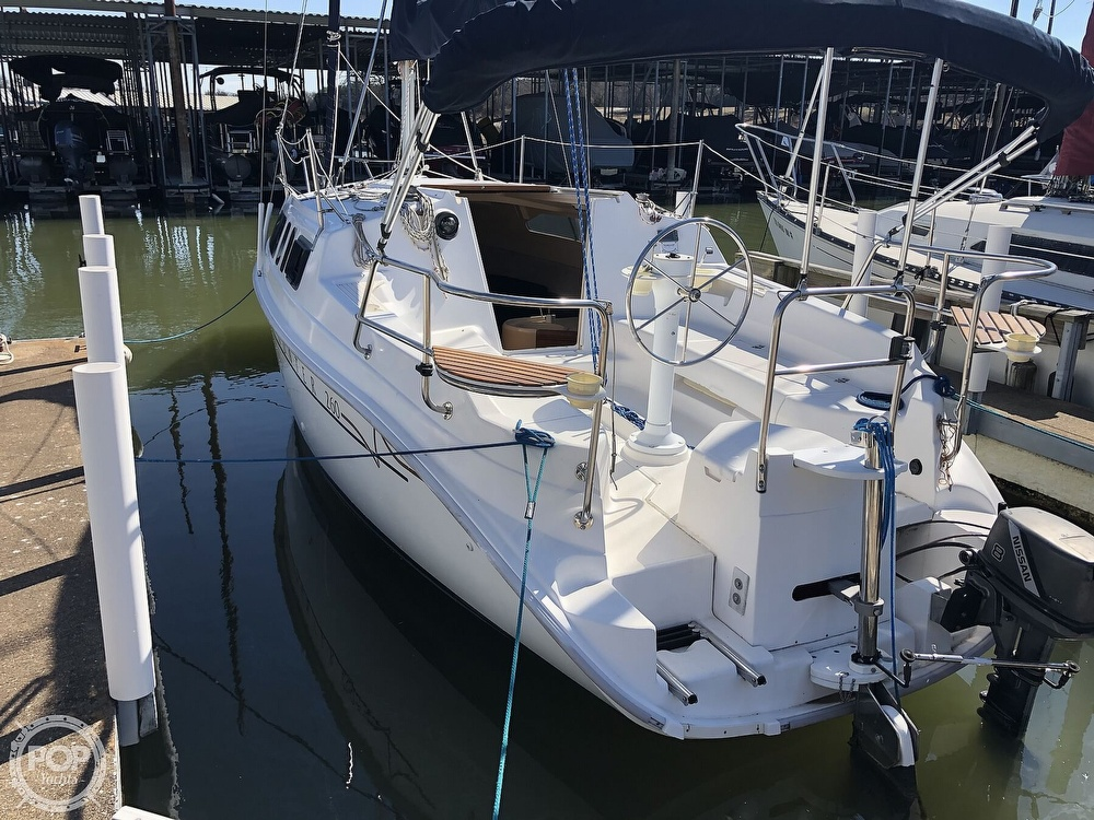 1999 Hunter boat for sale, model of the boat is 260 & Image # 12 of 40