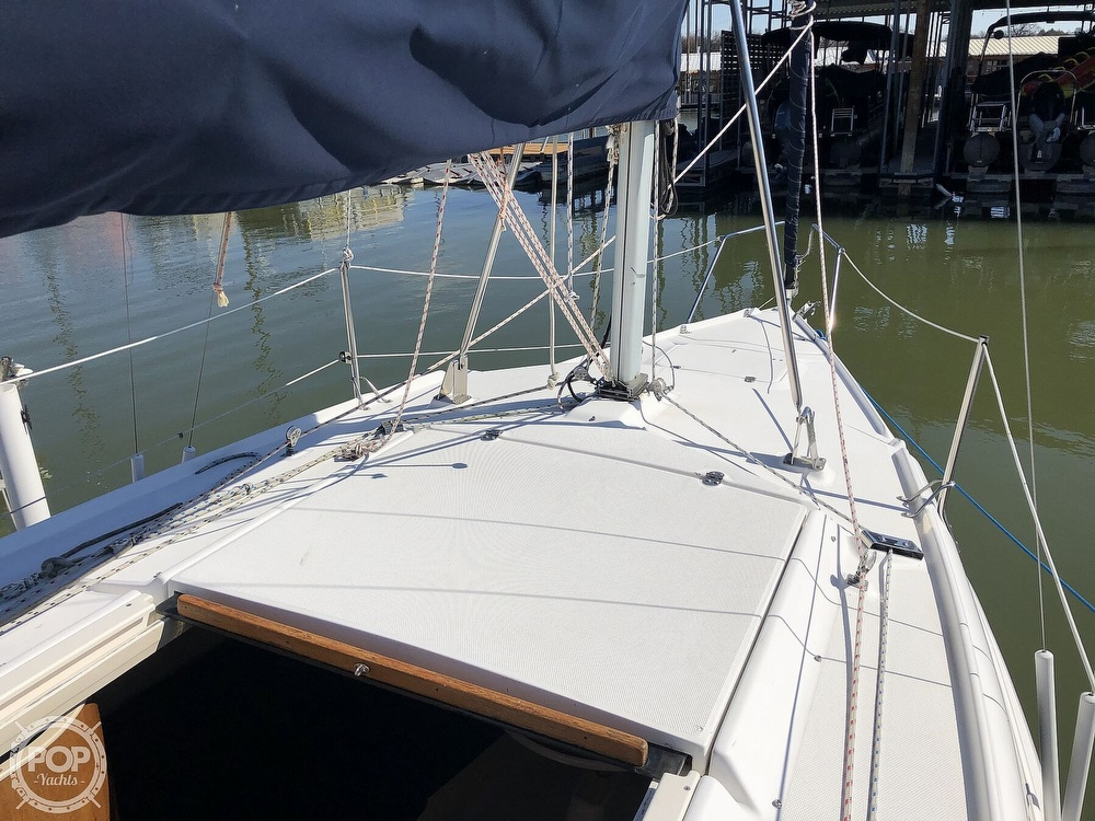 1999 Hunter boat for sale, model of the boat is 260 & Image # 32 of 40