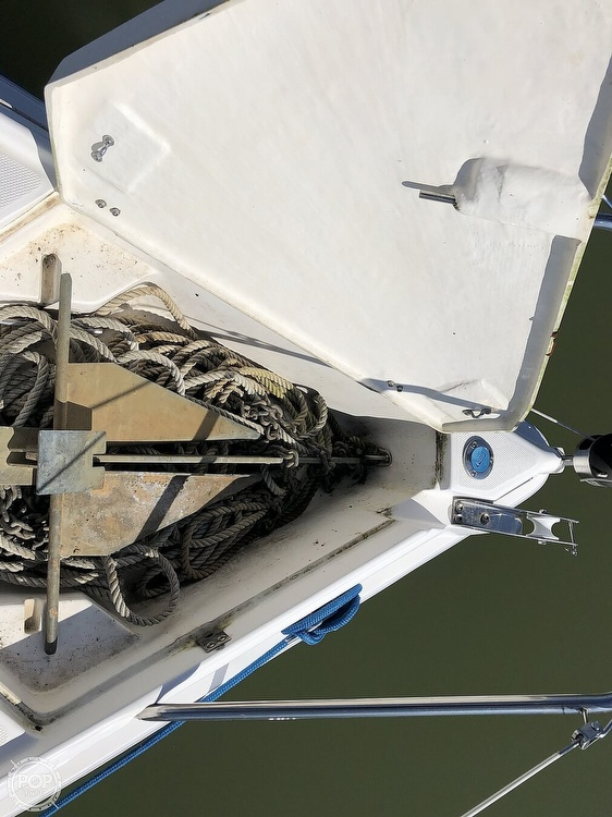 1999 Hunter boat for sale, model of the boat is 260 & Image # 34 of 40