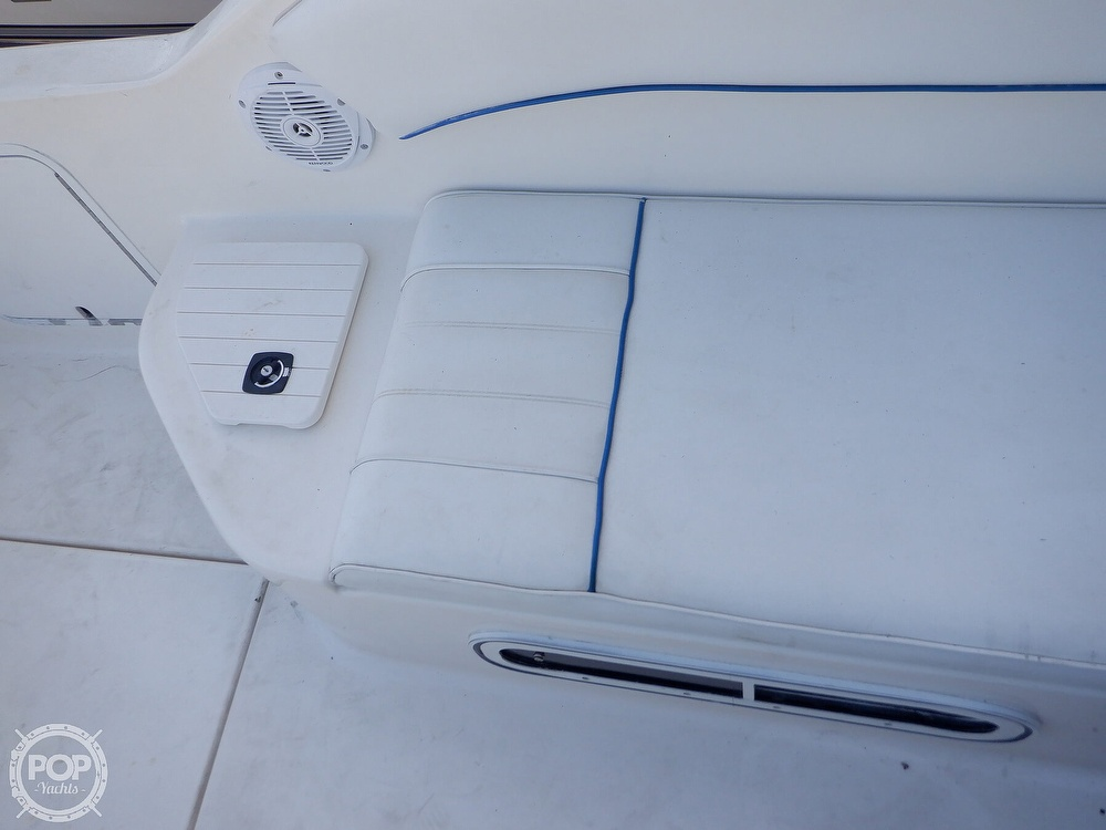 1995 Sea Ray boat for sale, model of the boat is 250 Sundancer & Image # 6 of 40