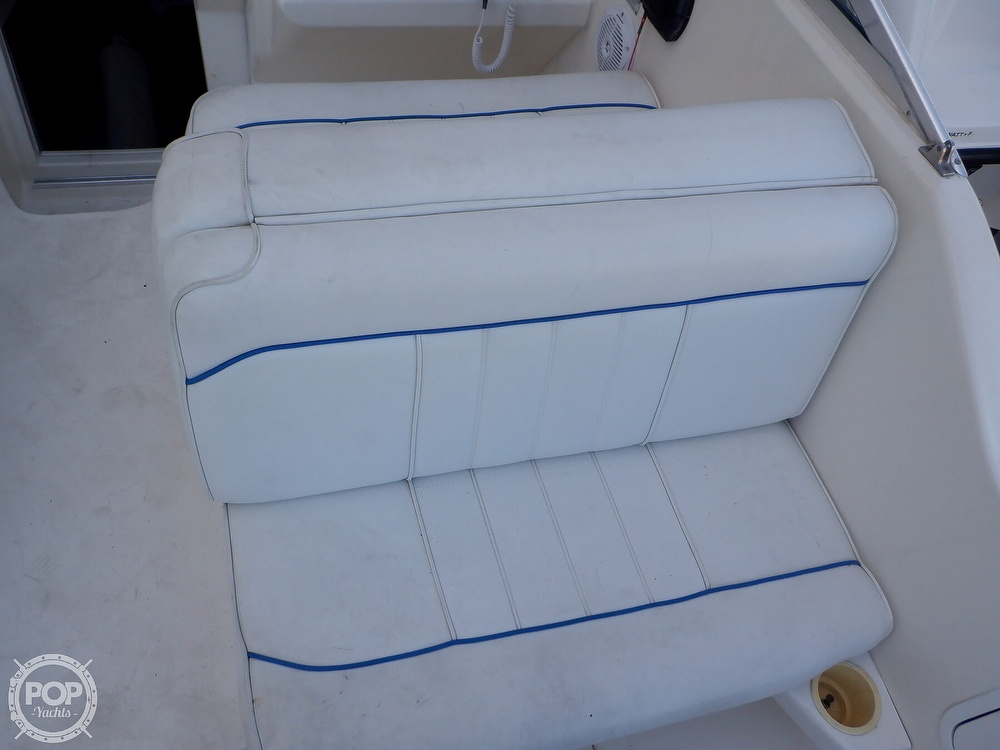 1995 Sea Ray boat for sale, model of the boat is 250 Sundancer & Image # 20 of 40
