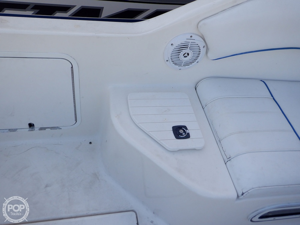 1995 Sea Ray boat for sale, model of the boat is 250 Sundancer & Image # 23 of 40