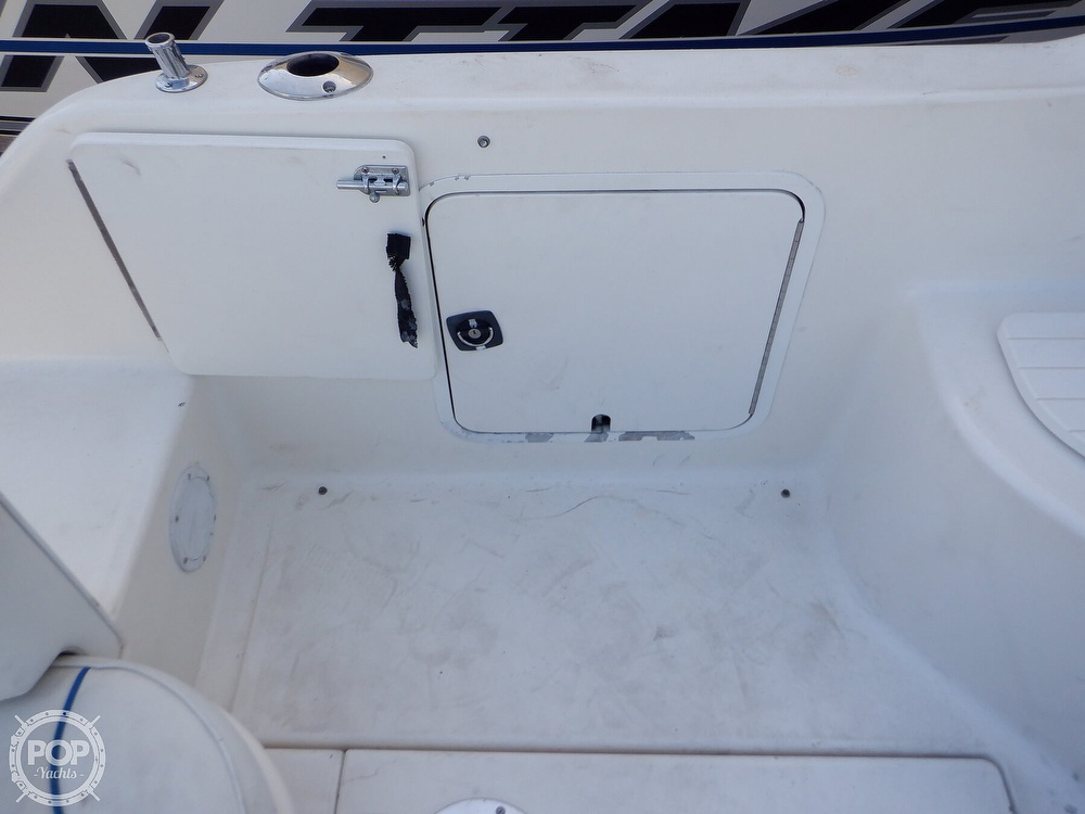 1995 Sea Ray boat for sale, model of the boat is 250 Sundancer & Image # 24 of 40