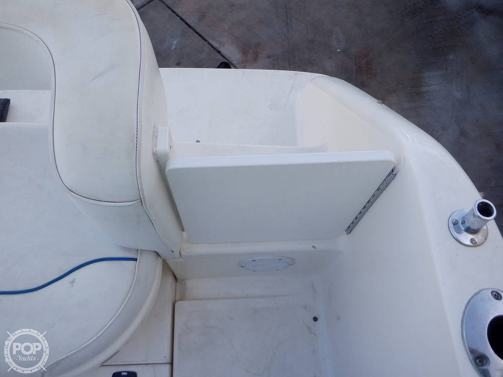 1995 Sea Ray boat for sale, model of the boat is 250 Sundancer & Image # 26 of 40