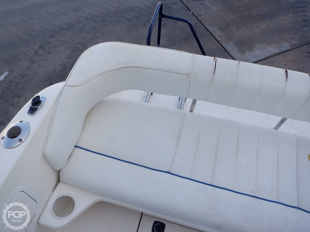 1995 Sea Ray boat for sale, model of the boat is 250 Sundancer & Image # 27 of 40