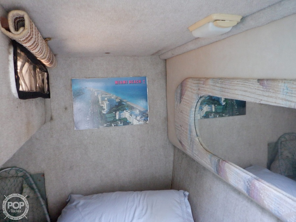 1995 Sea Ray boat for sale, model of the boat is 250 Sundancer & Image # 32 of 40