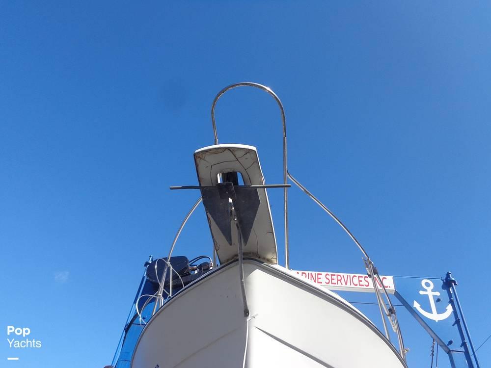 1983 Bayliner boat for sale, model of the boat is 3270 Explorer & Image # 17 of 40