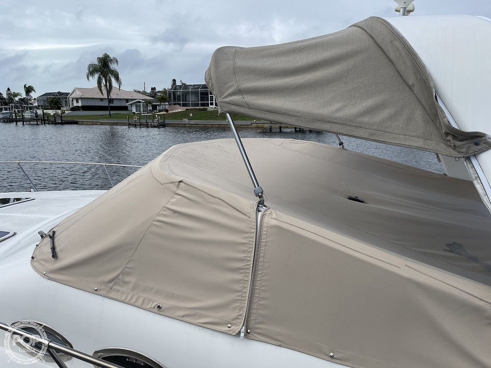 2000 Sea Ray boat for sale, model of the boat is 310 Sundancer & Image # 7 of 40