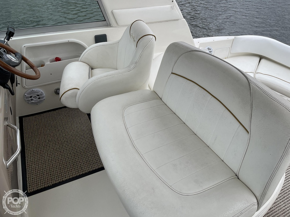 2000 Sea Ray boat for sale, model of the boat is 310 Sundancer & Image # 13 of 40