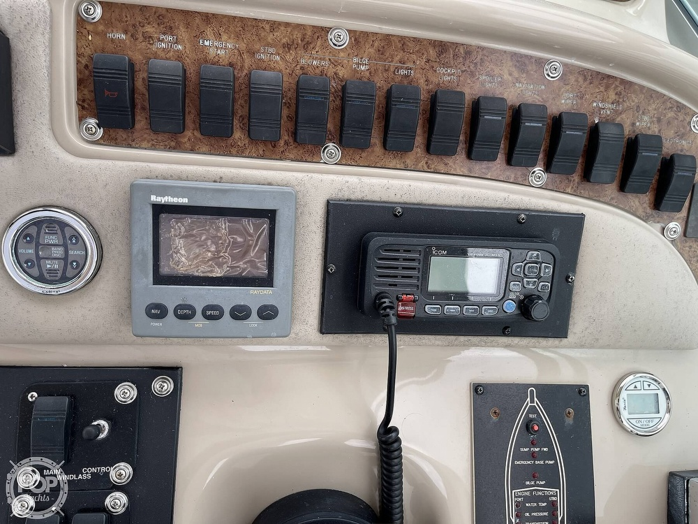 2000 Sea Ray boat for sale, model of the boat is 310 Sundancer & Image # 28 of 40