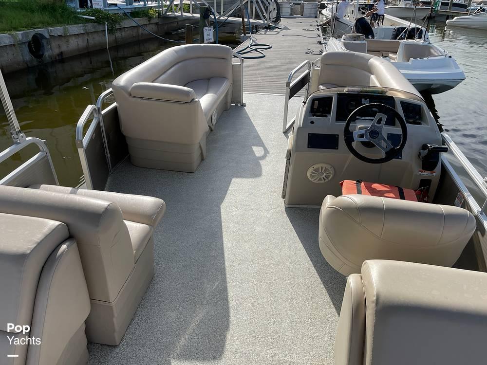 2017 Bennington boat for sale, model of the boat is 22 SSR & Image # 3 of 40